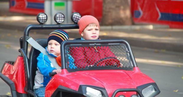 Nagyszerű áron vásárolhat elektromos gyerek autót.