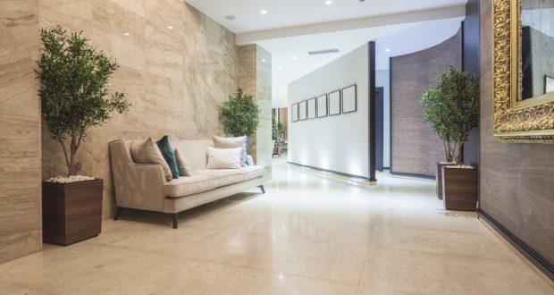 Remek áron igényelhet gondos padló felújítást.